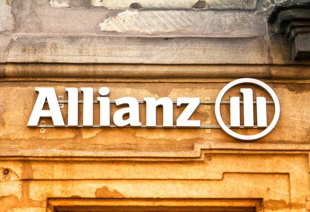 Allianz pairs with insurtech to offer wary travel consumers instant claims
